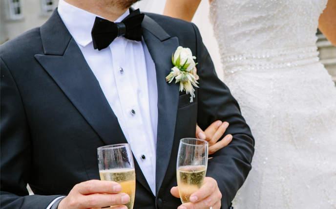 Vestirse de color negro en boda es elegancia